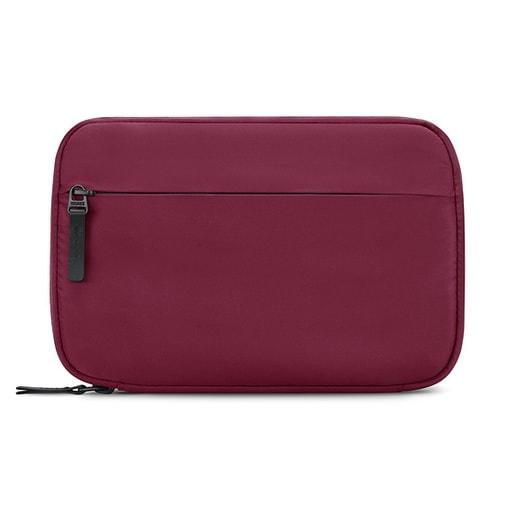 Сумочка-органайзер Incase Nylon Accessory Organizer для аксессуаров для мобильных устройств. Материал нейлон, полиэстер. Цвет пурпурно-розовый.