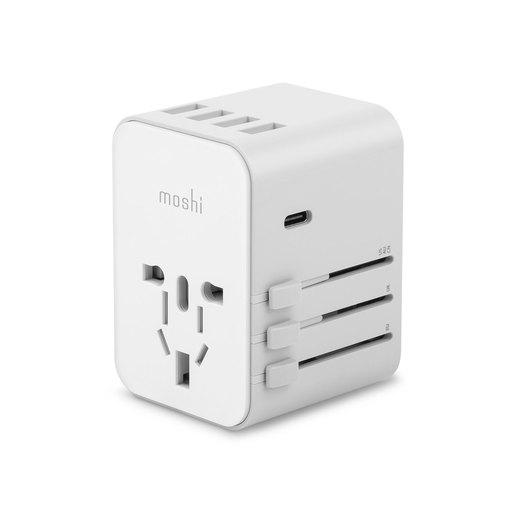 Универсальный адаптер питания Moshi World Travel Adapter, оснащенный вилками для ЕС, США, Великобритании, Австралии. Порты: USB-C 15 Вт, USB-A.