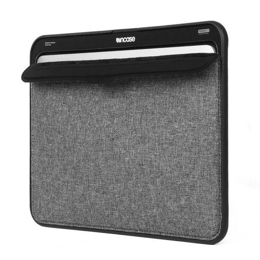 """Чехол Incase ICON для ноутбука MacBook Air 13"""". Цвет: черный/серый. Материал: неопрен."""