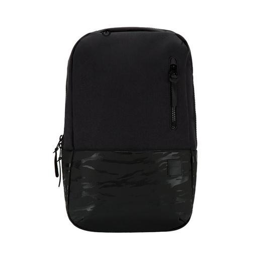 """Рюкзак Incase Compass для ноутбуков 15"""". Материал полиэстер. Цвет черный камуфляж."""