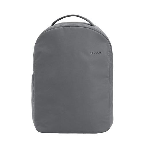 Рюкзак Incase Commuter Backpack w/Bionic. Материал: BIONIC® Ripstop из 100% переработанного пластика. Цвет: стальной серый.
