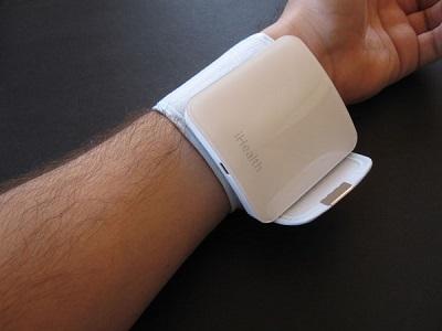 Медицинский браслет на руку измерение давления