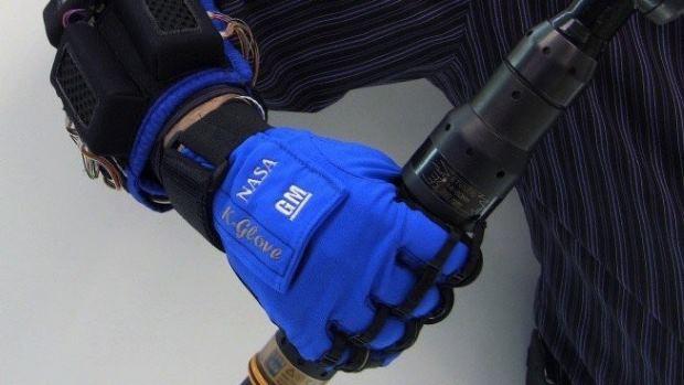 robo-glove-1428489556-K215-column-width-inline