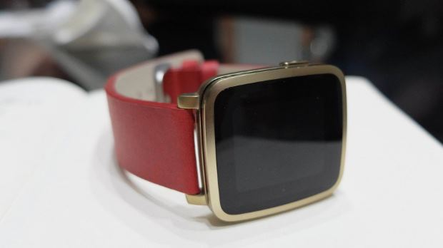 pebble-time-steel-first-look-review-6-1425383327-up98-column-width-inline