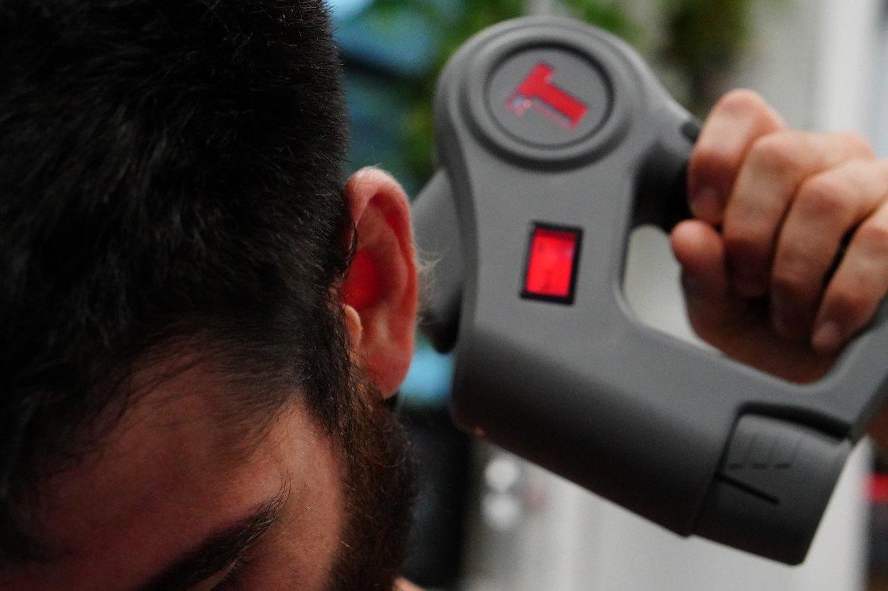 Оптимальный массажер бутылка для воды спортивная стекло в силиконе
